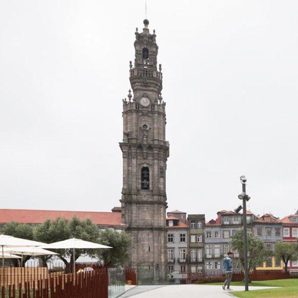 visitar torre dos clérigos porto