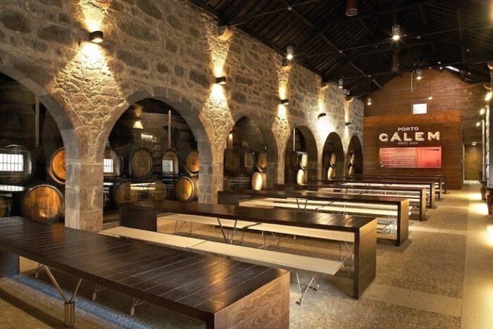 Visita Adegas de Cálem + Fado ao Vivo e Degustação Vinho